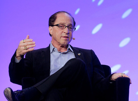 Futurist Ray Kurzweil hired by Google to advance language processing and artificial intelligence | An Eye on New Media | Scoop.it