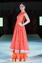 Faisana Fashion Weekend launches in London - DESIblitz | Asian Beautiful Girl | Scoop.it