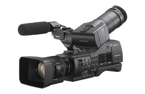 Sony's NEX-EA50 lets you zoom through prime lenses, losslessly   Sony Professional   Scoop.it