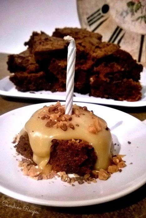 Mocha Brownies with White Mocha Sauce   Sunshine Recipes   Sammi Sunshine   Scoop.it