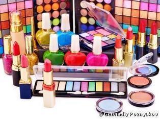 Cosmétiques : vos produits de maquillage peuvent être toxiques pour votre santé   Toxique, soyons vigilant !   Scoop.it