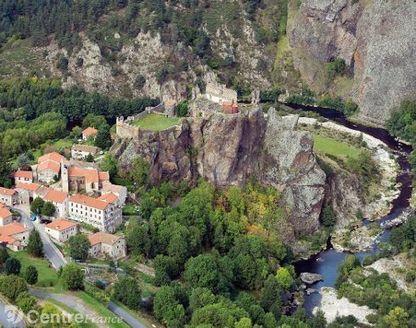 La fondation Gordon Schröeder sous le charme du château | Auvergne Patrimoine | Scoop.it