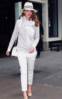 Astuce mode de Jessica Alba : du papier adhésif dans ses ... - Trenditude.fr - Magazine mode et tendances | Accessoires de Mode | Scoop.it
