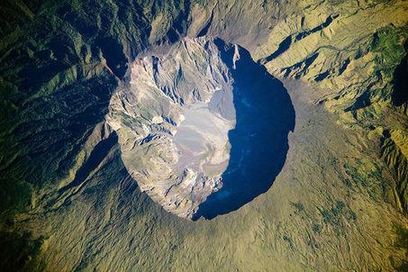 Tambora, 1815 : autopsie d'un monstre volcanique qui a marqué l'Histoire mondiale   Enseigner l'Histoire-Géographie   Scoop.it
