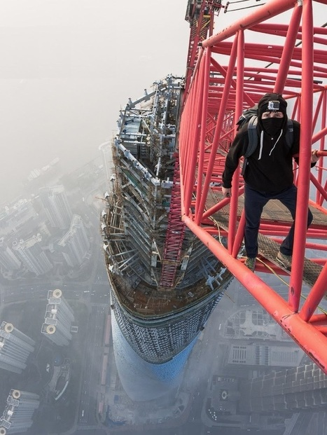 Video: Insane Daredevils Climb Shanghai Tower, The Second Tallest Building In The World At 650 Meters/2130 Feet! | Immobilier International | Scoop.it