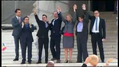 Video: Prop. 8 at Supreme Court: Cheers, 'USA' chants for plaintiffs | North America and South America | Scoop.it