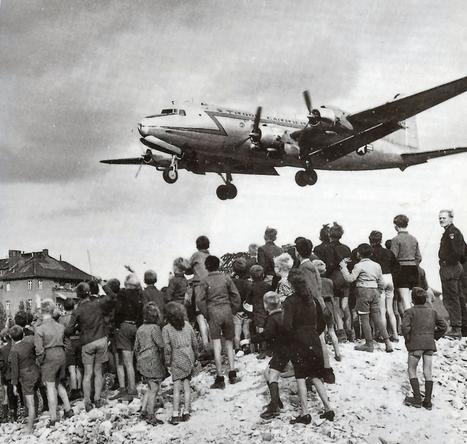 C-54landingattemplehof.jpg (766x729 pixels) | Berlin Blockade | Scoop.it