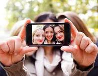 Are Selfies and Smartphones the New Comfort Food?   News   Scoop.it
