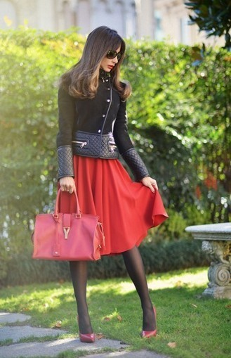Red, Black And A Midi Lenght Flared Skirt - | Fashion blog di moda | Scoop.it