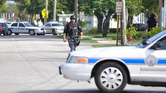 Gold chain robbery escalates to police standoff in Fort Lauderdale | READ WHAT I READ | Scoop.it