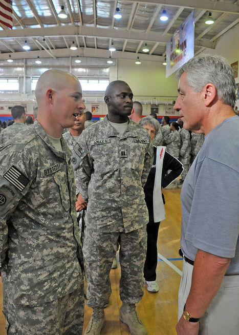 Chuck Hagel Lunches (And Learns From) Service Members | Strategy and Leadership | Scoop.it