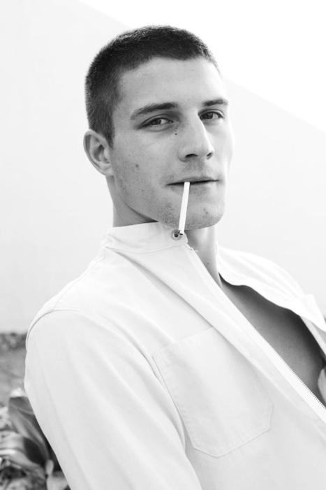 Ben Howard by Doug Inglish | Daily Male Models | Male Models Smoker | Scoop.it