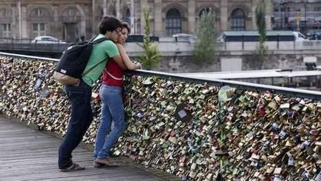 L'amour pèse trop lourd sur le Pont des Arts | DEPnews développement personnel | Scoop.it