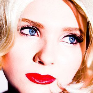 Abigail Breslin Is Grown Up and Sexy in New Tyler Shields Photo Shoot, Sings ... - E! Online | Amazing Rare Photographs | Scoop.it
