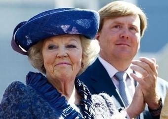 Dutch Bilderberg Queen abdicates in favour of her son | Global politics | Scoop.it
