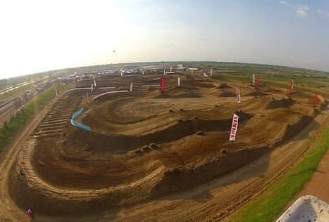 Panoramic view: PTT All Japan Star Supercross in Sukhothai 2011, Talayluang Supercross Track (Taken: 10.12.2011) | FMSCT-Live.com | Scoop.it