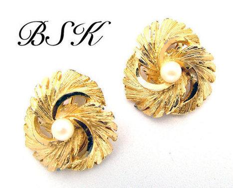 BSK Faux Pearl & Brushed Swirling Gold Tone Vintage Earrings | Beautiful Bargain Vintage Costume Jewelry | Scoop.it