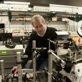 Physicists Pursue the Perfect Lens by Bending Light the Wrong Way | Amazing Science | Scoop.it