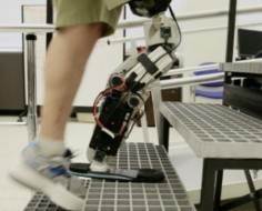 Amputee Climbs A Chicago Tower With A Mind-Controlled Bionic Leg | Health Innovation | Scoop.it