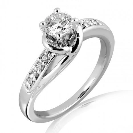 Buy 18K Gold and E Color VS2 Clarity Diamond Ring Online – My Glitz Jewels   myglitzjewels   Scoop.it