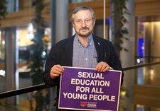 Izquierda Unida condena el vergonzoso veto de la derecha al voto sobre derechos sexuales y reproductivos en el Parlamento Europeo   IZQUIERDA UNIDA   PCIB   Scoop.it