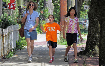 40 percent of Americans believe their neighborhoods are not walkable | Kaid Benfield's Blog | Switchboard, from NRDC | Healthy Mind And Body Workouts Naturally | Scoop.it