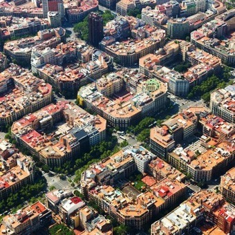 "Barcelona's ""Superblocks"" Plan: Less Cars, More Bikes, Better Social Spaces | Plaça Lesseps | Scoop.it"