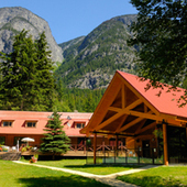 Tweedsmuir Park Lodge Canada offers private group Grizzly Bear viewing. | Locations around the world | Scoop.it