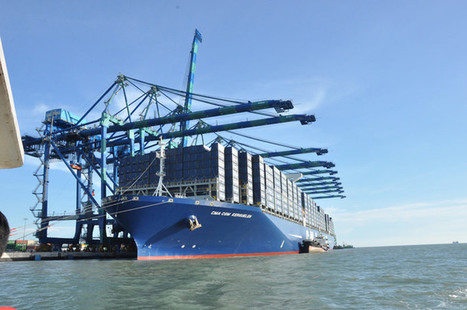 Image of the Day: Special Welcome for CMA CGM Kerguelen | Offshore Australia | Scoop.it