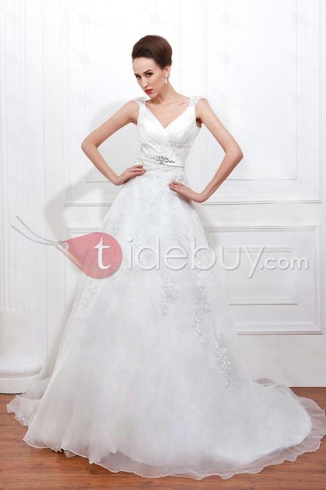 Luxurious A-line V-neck Chapel Floor-length Appliques Plus Size Renata's Wedding Dress   wedding time   Scoop.it