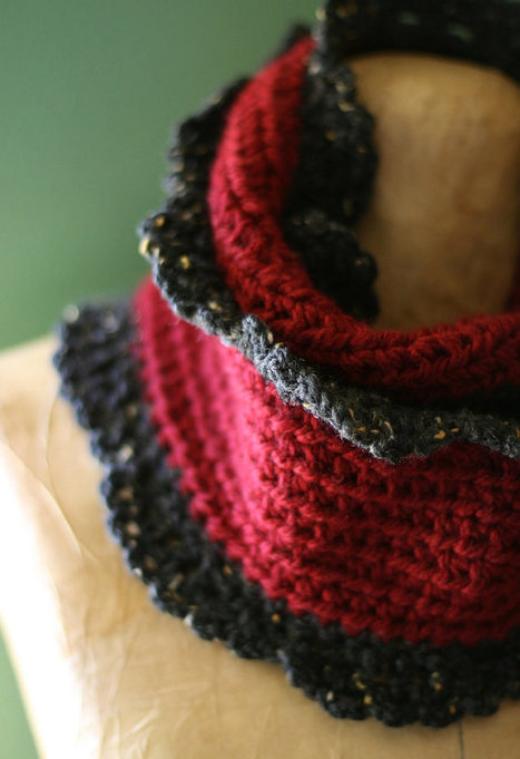The Vampires Kiss Cappuccino Cowl Warm Red Gray Romantic Gothic   Vampires   Scoop.it