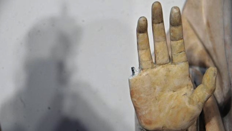 American Tourist Breaks Finger Off 600-Year-Old Italian Statue | Test | Scoop.it