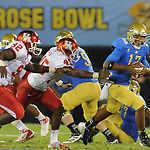 Photos: UCLA 37 Houston 6 PAC-12 Football - Pasadena Star-News | Sports Photography | Scoop.it