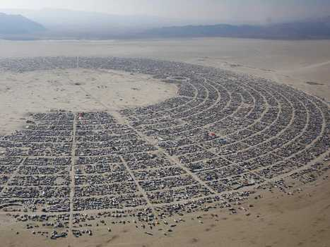 This Is What It Looks Like When 68,000 People Build A TEMPORARY City In The Nevada Desert | URBANmedias | Scoop.it