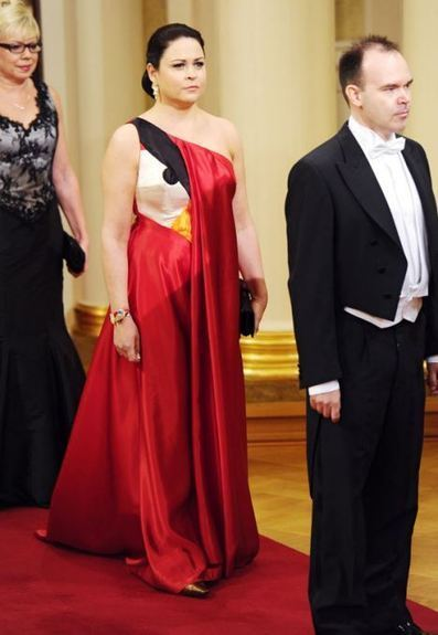 Wife of Rovio boss turns up to the palace wearing an Angry Birds dress | Finland | Scoop.it