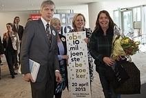Minister Bussemaker verwelkomt 10 miljoenste bezoeker OBA - Bericht - Bibliotheekblad | Van het web | Scoop.it