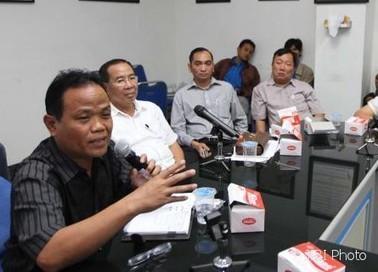 SOLOPOS.COM : Beberkan ESEMKA, Sukiyat Mengaku Diancam - diancam mengaku mobil esemka Sukiyat -News -Soloraya | mis·cel·la·ne·ous | Scoop.it
