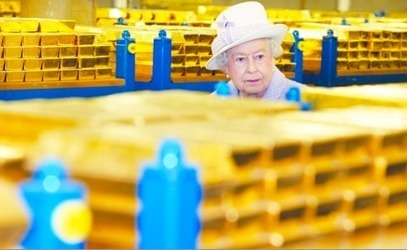 West Nears Edge Of A Cliff As Central Planners Ensure Collapse   Gold and What Moves it.   Scoop.it