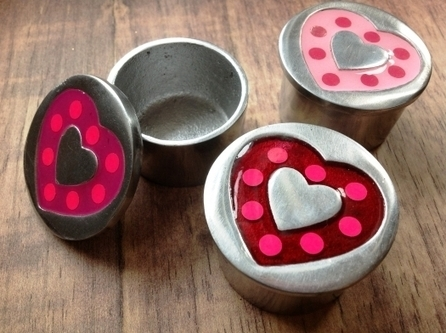Round Aluminium Trinket Box, Pink Love Hearts - Home & Gifts - Fair Trade Homeware - The Fair Trade Store | Personalized Gifts | Scoop.it