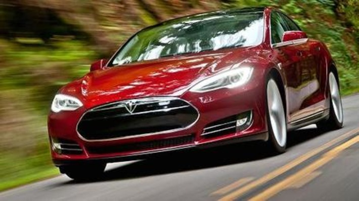 First look at Tesla's autopilot technology - CNBC | Machinimania | Scoop.it