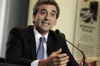 Randazzo recibió un reconocimiento de la FIA por la seguridad vial nacional   Cultura vial   Scoop.it