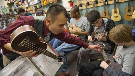 Ukuleles tiptoeing into music classrooms | Everything about learning [music] Ukulele | Scoop.it