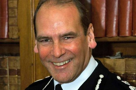 Hillsborough police chief Norman Bettison said he had no phone signal - yet FOI request shows 14 calls and 15 texts | UK Policing Updates | Scoop.it