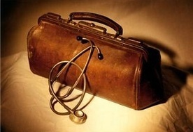 Think Like A Doctor: Diagnose And Cure What Ails Your Book | The Funnily Enough | Scoop.it