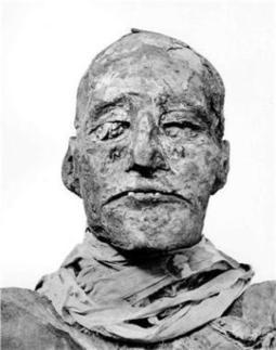 The Archaeology News Network: Study reveals Pharaoh's throat was cut in royal coup | Discovering the past | Scoop.it