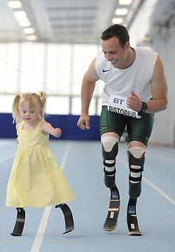 readyforsomefootball: Oscar Pistorius runs with...   JIMIPARADISE!   Scoop.it