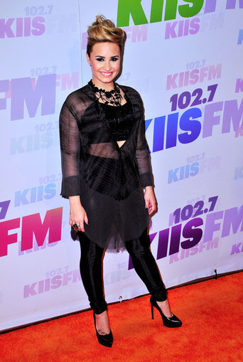 Demi Lovato Getting Tonsils Removed After Months Of Sickness - Starpulse.com   Demi Lovato Is Relevant!   Scoop.it