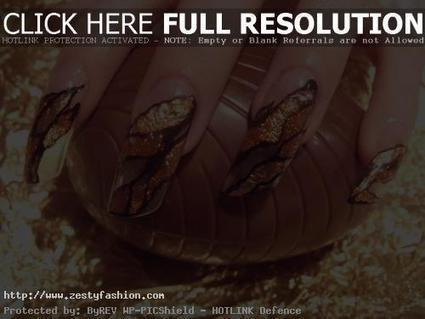 Let Your Hand Shine Through Gold Nail Art Designs - Zesty Fashion | nail art | Scoop.it