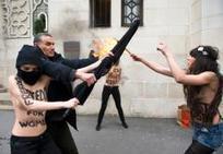 """DROITS DES FEMMES • Femen, une vision passéiste du monde arabe - 19 avril 2013   """"Où sont les femmes ?""""   Scoop.it"""