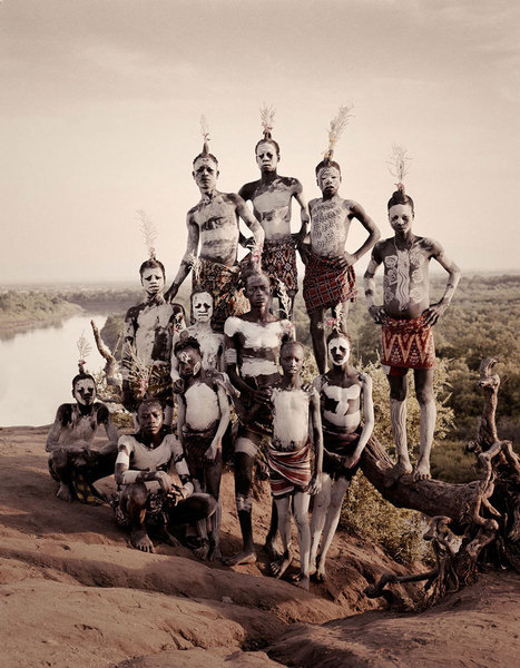 Stunning Portraits Of The World's Remotest Tribes Before They Pass Away (46 pics) | Ventasfotograficas | Scoop.it